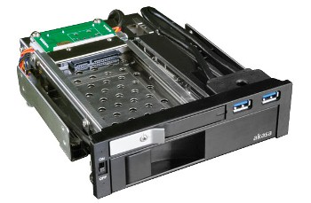 AKASA Lokstor M51 - 2.5'' a 3.5'' HDD rack do 5,25''