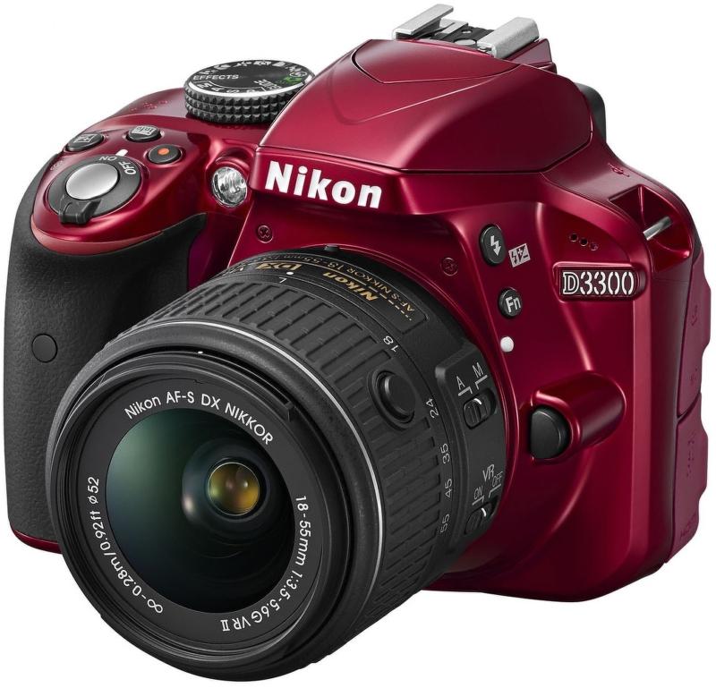 NIKON D3300 + AF-P 18-55 VR RED
