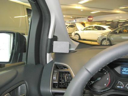 Brodit držák do auta pro TomTom GO 500 new, 600, 5000, 6000 se skrytým nabíjením v palubní desce